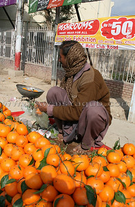 In Bhawalpur oranges are sold by weight !